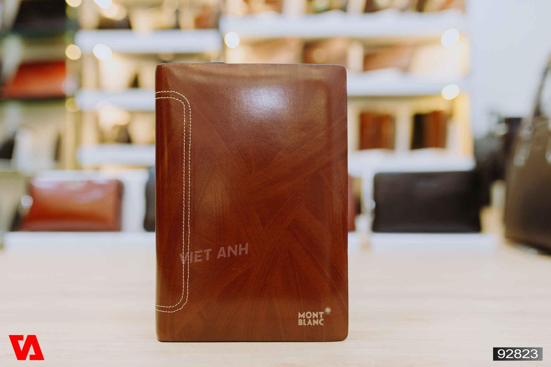 Clutch cầm tay giá hấp dẫn Montblanc 92823 Đen - Nâu