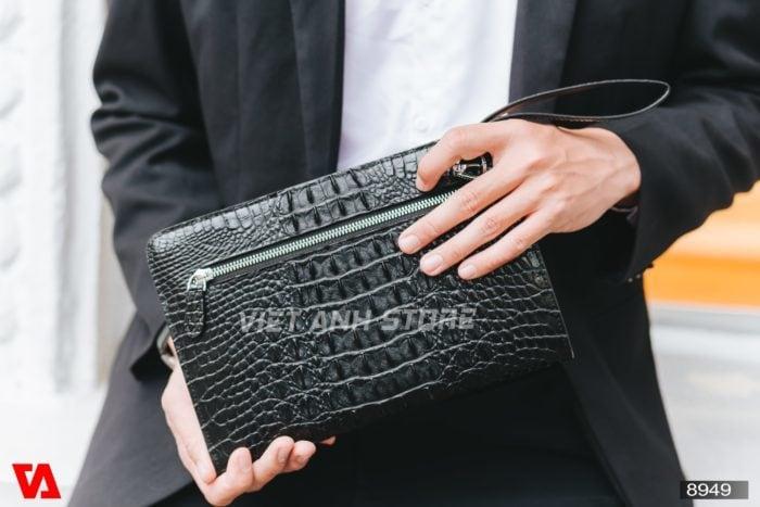 ví cầm tay da cá sấu