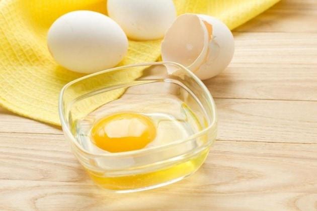 Lòng trắng trứng cũng được ứng dụng để vệ sinh đồ da