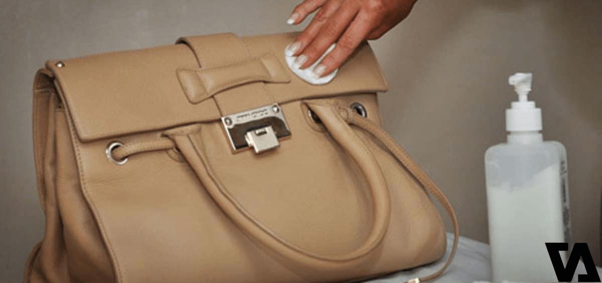 Đừng quên kiểm tra xem chiếc túi của bạn có mùi hay không